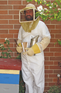 Fully protected beekeeper